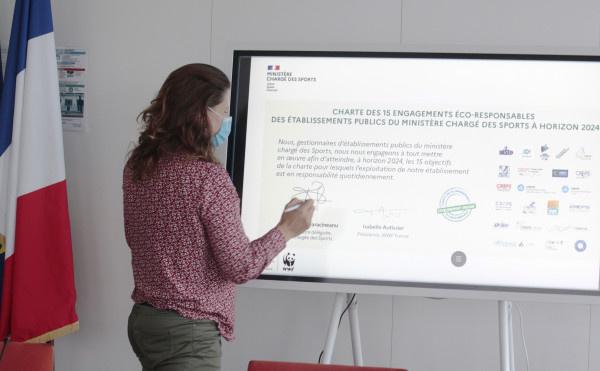 Les établissements publics du ministère s'engagent pour l'environnement